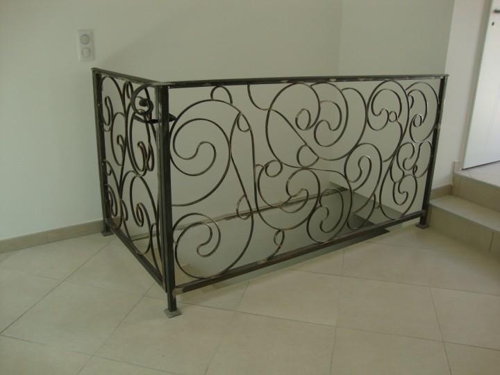 Rampe de style pour escalier interieur aubagne for Portillon interieur