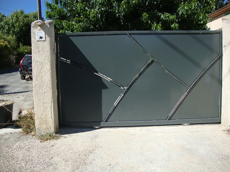 portail moderne en fer peypin fabrication produits dfci roquevaire suzan 2jm. Black Bedroom Furniture Sets. Home Design Ideas
