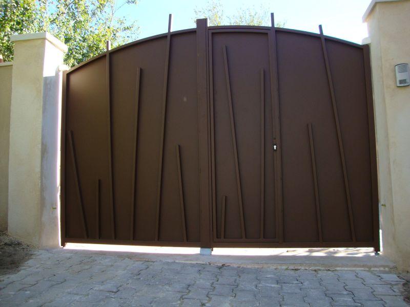 Fabrication de portails en acier thermolaqu sur mesure peypin fabrication produits dfci for Fabricant de portail sur mesure